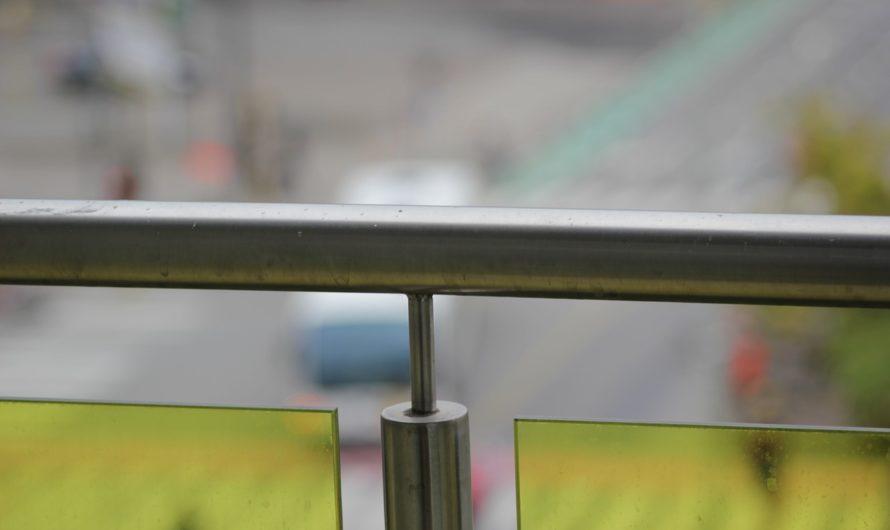 Balcon en aluminium : caractéristiques, installation, prix