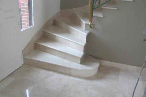 Revêtement d'escalier en marbre: ce qu'il faut savoir avant de se lancer