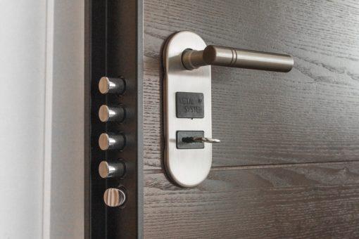 Sécurité à domicile : quel type de serrure poser pour votre porte d'entrée?