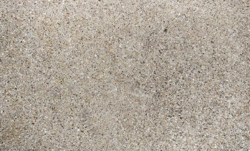Comment retirer la résine époxy sol du carrelage ?