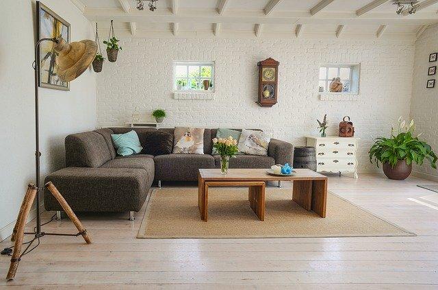 Quel type de revêtement de sol moderne choisir pour un salon ?